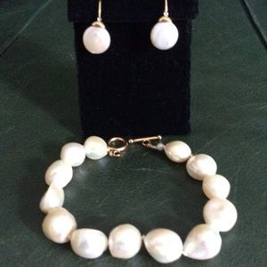 Jewelry - Genuine Baroque Pearl Bracelet/Earrings Set